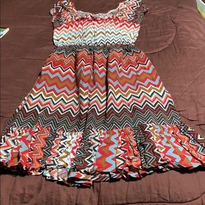 Women's Pullover Dress. New Condition.